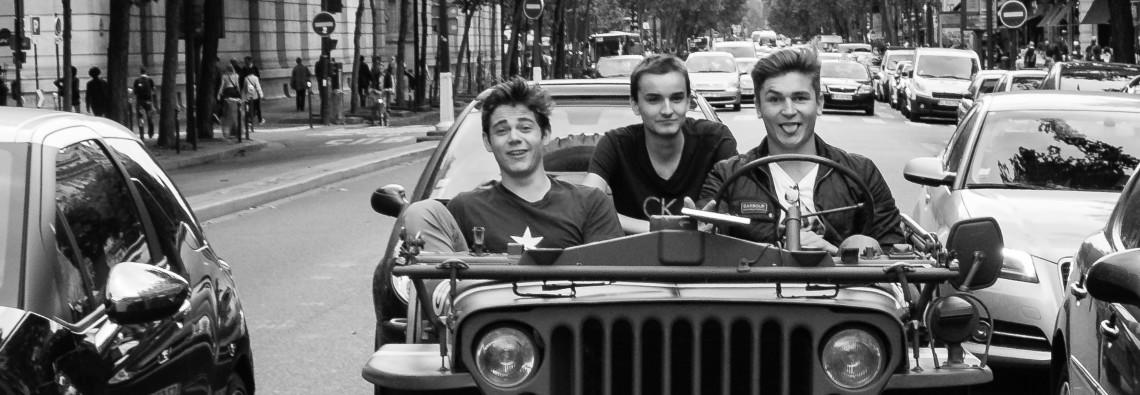 3 hommes et une Jeep