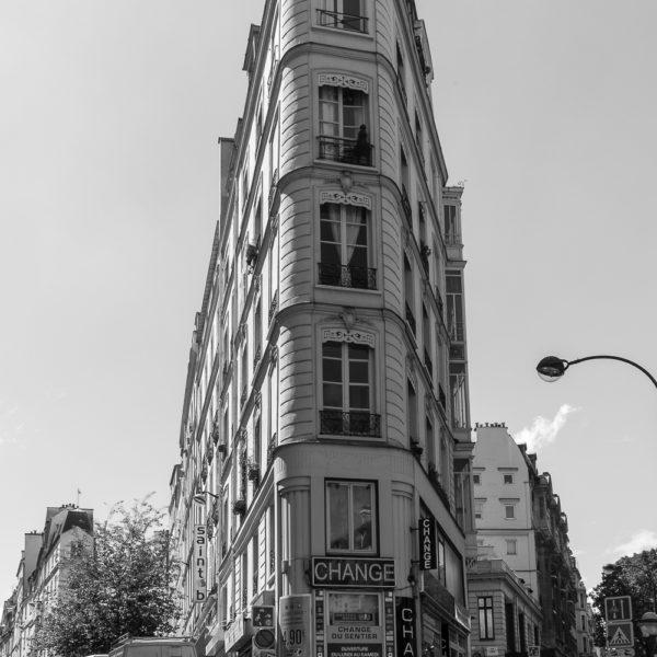Flatiron building in Paris