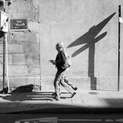Septembre Jeu d'ombres rue Pavée