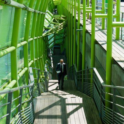 Vert l'escalier